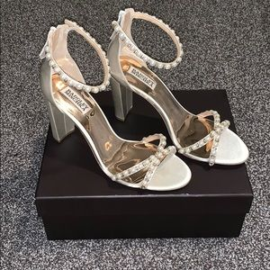BNIB Badgley Mischka Hooper Ankle Strap Heel 10